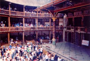 Shakespeare Globe Theatre buehne