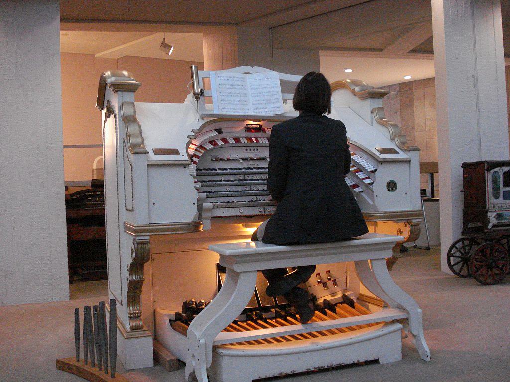 Besuch_im_Instrumentenmuseum1_2014.jpg